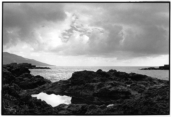 Cloudporn Fotografie Schwarzweiß Landschaft Landschaftsphotgraphie Landschaftsfotografie Landscape La Palma Meer Bucht Atlantik Sea Wolken Vulkangestein